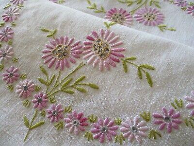 Vintage Hand Embroidered Tray cloth Panel-BEAUTIFUL QUALITY STITCHING