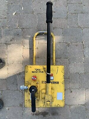 Enerpac P462 Hydraulic Hand Pump 700 Bar/ 10,000 Psi