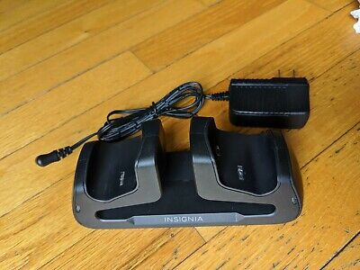 Insignia Playstation PS4 DualShock 4 Dual Controller Charger charging station