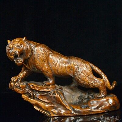 Collectable China Old Boxwood Hand-Carved Roar Tiger Lifelike Delicate Statue