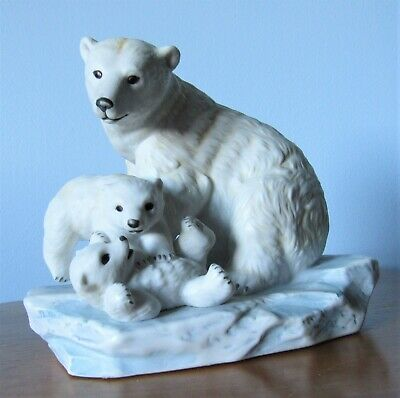 Polar Bear With Cubs Endangered Species 1993 Masterpiece Homco Figurine