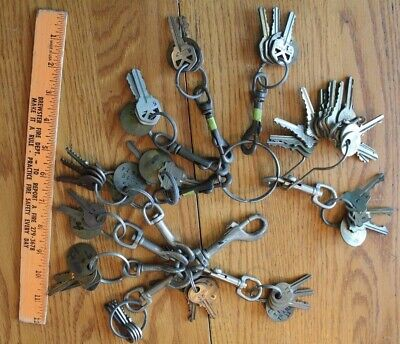 Lot of Vintage Keys w/ Brass Lobster key ring clips swivel clasps Italy & Spain