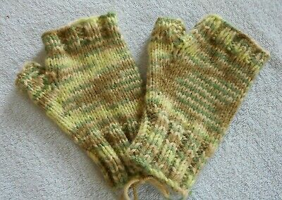 Fingerless Hand Knit Mittens Gloves Handwarmers  Green Multi Color  NEW!