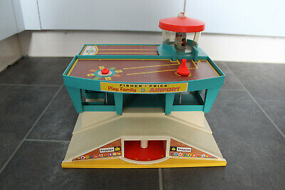 Fisher Price Play Family Airport Vintage 1972  No 996 Made in U.S.A
