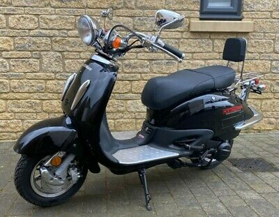 125cc Tommy Scooter (Black) Direct Bikes
