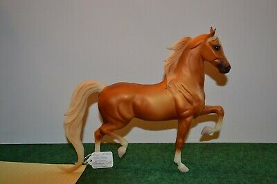 """Breyer # 701300 """"Champaign Toast"""" West Coast Jamboree from 2000. Used. Unboxed"""