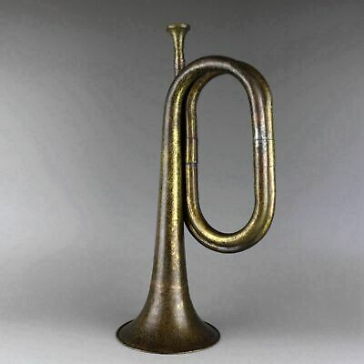 Collectable China Old Bronze Hand-Carve Musical Instrument Delicate Bugle Statue