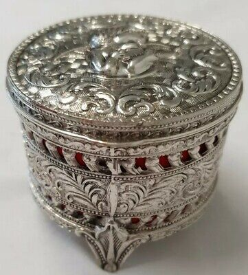 Beautiful Vintage Cherub Silver Plated Round Trinket Box Lined with Red Cloth.