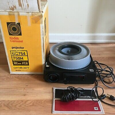 Kodak Carousel 750H Slide Projector, remote, 102 mm Zoom Lens, 80 Tray, Tested.