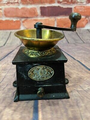 VICTORIAN A.KENRICK & SONS PATENT COFFEE MILL - Cast iron Brass Grinder