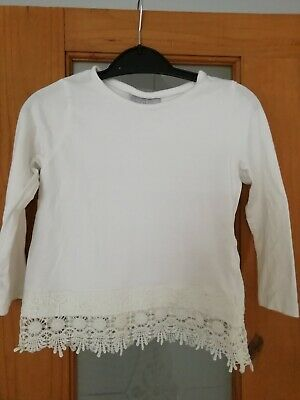 Girls Age 3 yrs old White top *really pretty* *great condition*