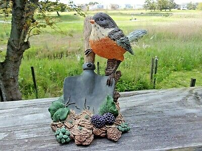 Stratford Masterworks Figurine of a Robin by a Spade with Berries