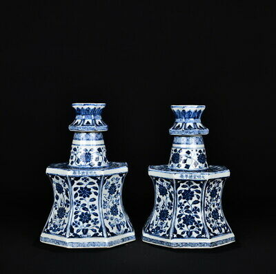 Chinese Exquisite Handmade Blue and white porcelain statue A Pair