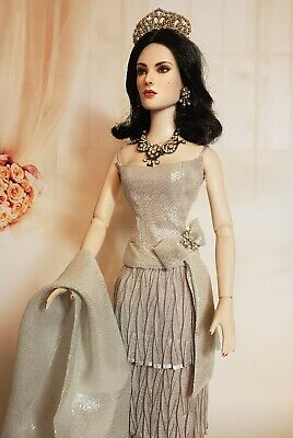 """Tonner Tyler 16"""" OOAK Repaint Doll Plus Outfit & Jewelry Dressed!"""