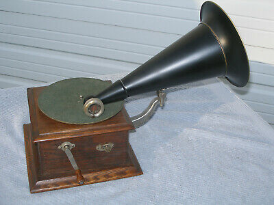 """Victor Junior"" Model Talking Machine / Phonograph - Very Nice Working Example!"