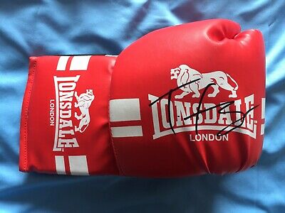 A Genuine Lonsdale Glove Signed By Tyson Fury! 1