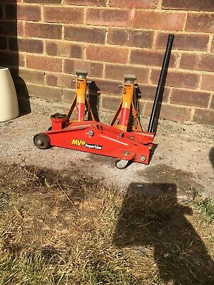 MVP 2 Ton Trolley Jack And A Pair Of Halfords 2 Ton Axle Stands
