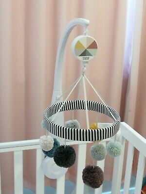 Mamas and papas baby's musical unisex cot mobile