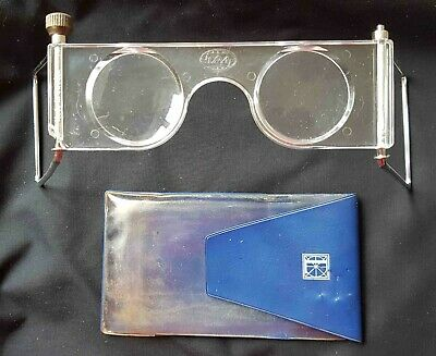 LiberKartor Swedish hand stereoscope viewer for viewing pairs of 3D photographs