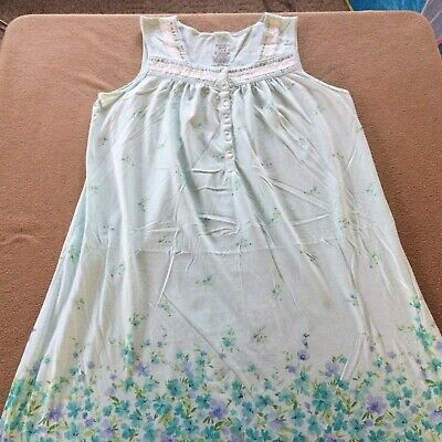 Women's Simply Basic night gown size Medium 8-10 pale blue floral sleeveless