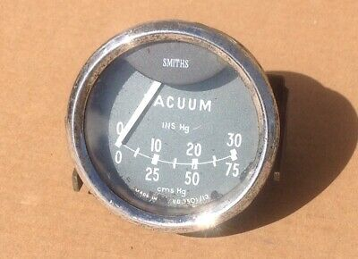1950's 60's Smiths Vacuum gauge, early type, including fitting bracket.