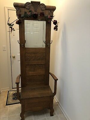 Antique Oak Hall Tree!! Free Rose 🌹 Garland!! Beautiful!! Perfect Size!!