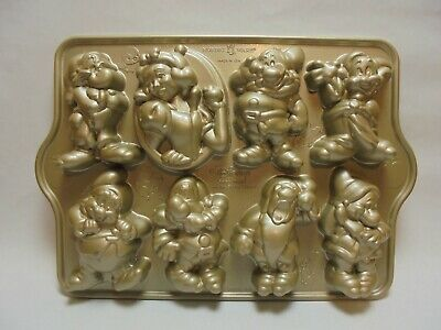 Williams Sonoma NORDICWARE Disney Snow White Seven Dwarfs CAKELET PAN 3.5 CUPS