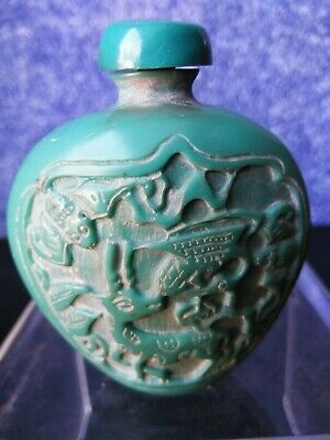 QING D. Turquoise Chines CARVED SNUFF BOTTLE opium jarStatue PEKING GLASS amulet