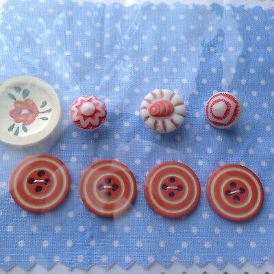1920s 30s Deco 40s Utility 1950s Vintage Buttons Orange flower Sewing Knitting