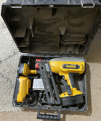 Dewalt 2Nd Fix Nail Gun 18 Volt Works Well Dc618