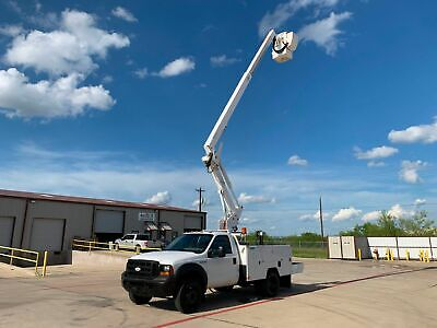 Ford F550 Bucket Truck 42 Ft Articulating/Telescopic Boom Diesel 2006 2007