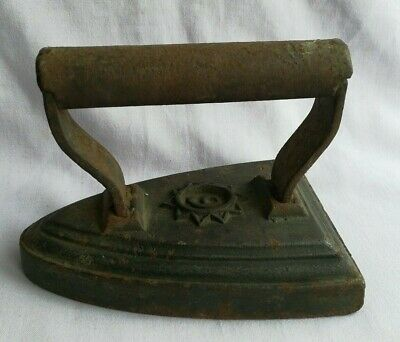 Cast Iron Vintage Antique Flat Iron No. 6