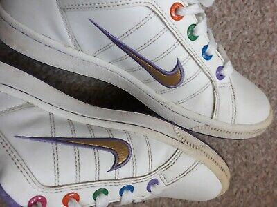 White NIKE shoes 3 girls woman sport trainers size 2.5 casual gold boots school