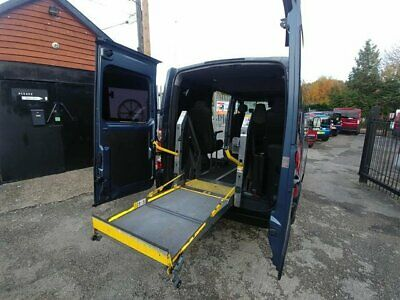 Renault Master Wheelchair MPV with Ricon Lift Access & 5 Seats