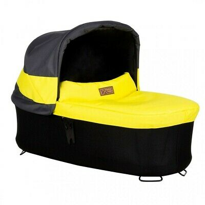 Mountain buggy Terrain, Urban Jungle carrycot plus.Great condition. Grey&Yellow
