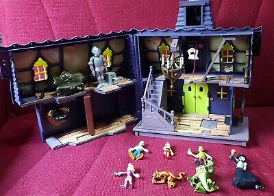 SCOOBY DOO Deluxe Mystery Mansion Playset with Figures