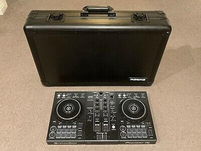 Pioneer DDJ-400 2 Channel DJ Controller AND Magma X-Large Carry Case