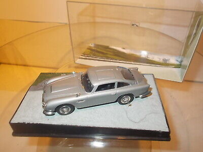 JAMES BOND 007 ASTON MARTIN DB 5-1:64-NEU-OVP