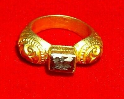 Ancient Greek Gold Ring with seal