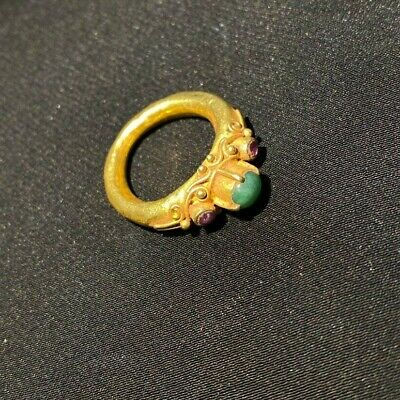 Ancient Gold ring from south east Asia with aventurine and  Ruby light stone