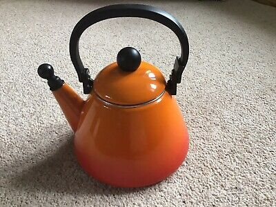 LE CREUSET KONE Stove Top Black Kettle With Whistle 1.6 L