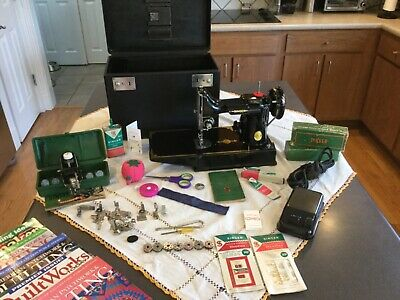 Singer Featherweight 221 Sewing Machine- Well cared for, nice and clean!