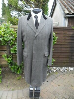 Austin Reed Crombie Grey Herringbone Pure Wool Overcoat Size 38r Velvet Collar 149 95 Picclick Uk