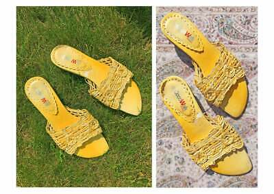 Vintage 90s Vegan Leather Woven Daisy Mules Kitten Heel Sandals Yellow Flowers 6