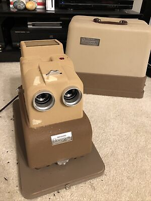Sawyer's View-master Stereo-Matic 500 Projector With Case Cover Turns On