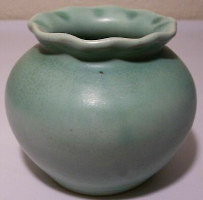 CAMARK POTTERY FROSTED GREEN RUFFLED ART BOWL!