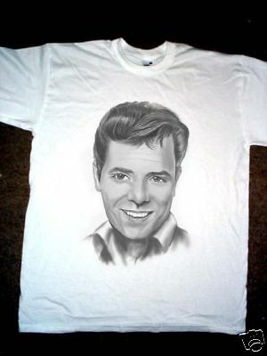 Airbrushed Portrait of Cliff Richard T-Shirt in sizes Small to 3XXXL