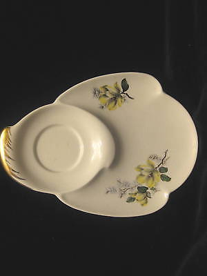 ROYAL WINTON YELLOW FLORAL & GREEN LEAVES - SNACK PLATE