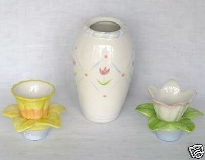 Avon Elegant Blooms Vase And Taper Holder 2006
