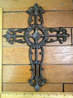 cast iron Wall CROSS 11-1/2x8-3/4 rustic garden style99